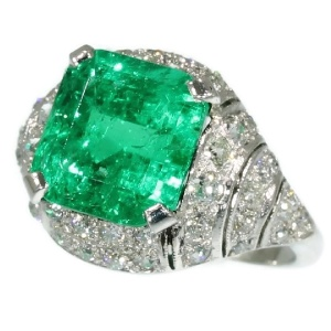 Art Deco diamond ring with spectacular 6.28 crt Colombian Muzo emerald